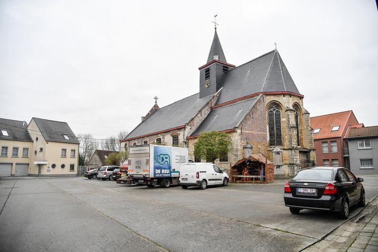 Na de heraanleg zal er eenrichting gelden rond en achter de kerk.