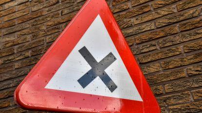 Voorbereidende werken om voorrangsregeling te wijzigen starten volgende week: Voorrang van rechts afgeschaft voor 33 straten en 92 kruispunten