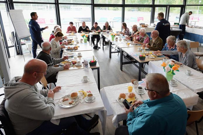 Lunch in Talentencentrum op vierhoeven in kader van de week van de eenzaamheid. Foto pix4profs/petervantrijen