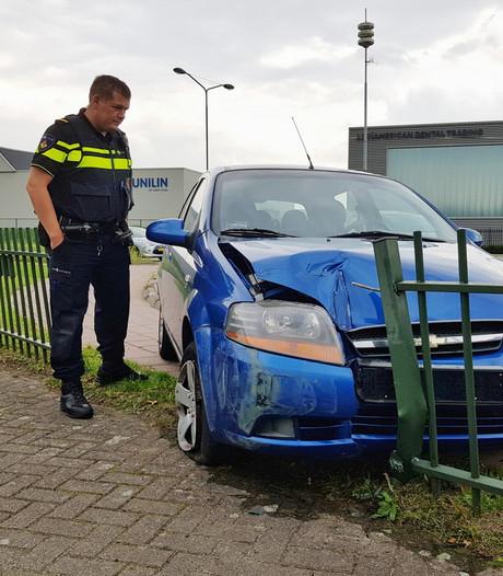 Voetgangers ontsnappen op nippertje aan doorgeschoten auto