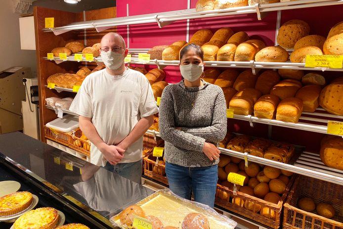 Jan Asselman en zijn vrouw Rhia Mauyag startten zes jaar geleden hun bakkerij op de hoek van de Botermelkstraat en Gentsesteenweg in Erpe.