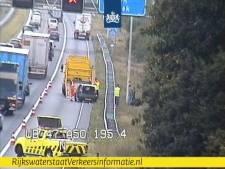 Weg bij Hoenderloo weer vrij na ongeluk op A50