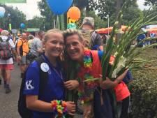 Linde (11) uit Hengevelde komt als een van de jongste deelnemers over finish bij vierdaagse