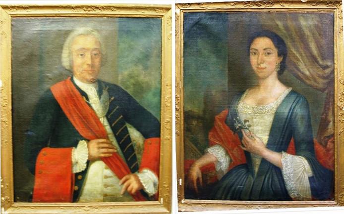 Zo zien de portretten van Egbertus Vos de Wael en zijn echtgenote Johanna Maria van Sonsbeeck er nu uit. Ze staan in depot bij de gemeente Zwolle en zijn dringend aan restauratie toe.