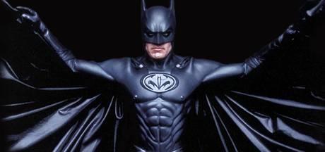 Regisseur heeft geen spijt van opvallende Batman-tepels