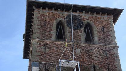 Gaten dichten en mos uit de dakgoten halen