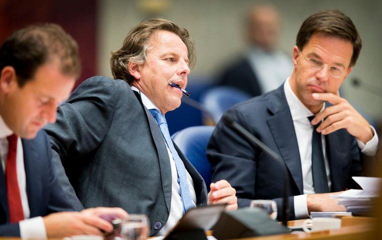 Minister van Sociale Zaken en Werkgelegenheid Lodewijk Asscher, Minister van Buitenlandse Zaken Bert Koenders en Premier Mark Rutte tijdens het debat in de Tweede Kamer over de Turkse spanningen Beeld anp