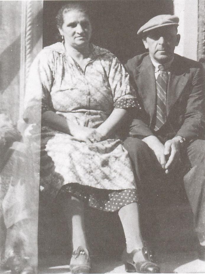 Israël Samuël Kropveld, bijgenaamd 'Japien', en Hendrika Kropveld tijdens hun periode op Urk.