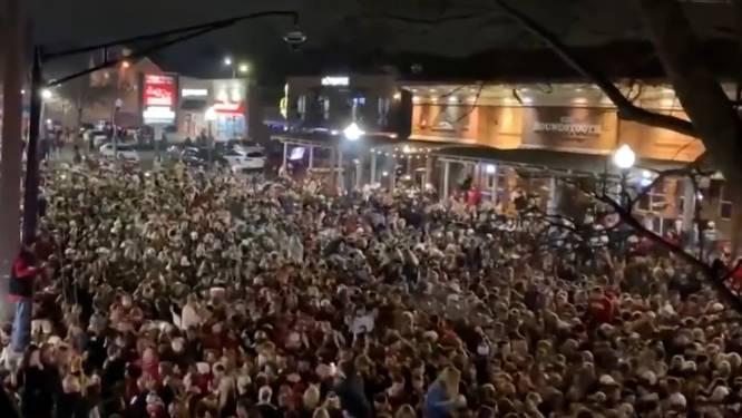 Coronavirus? Honderden American Footballfans vieren overwinning massaal op straat