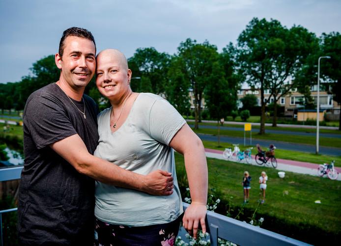 Laurens Kroon en zijn vrouw Sandy Kroon-Kuipers, twee dagen na het slechte nieuws vroeg zij hem ten huwelijk.