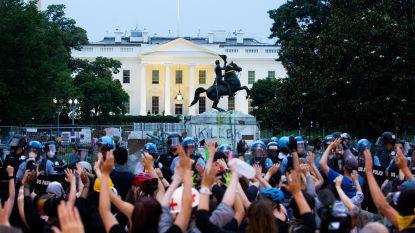 Trump haalt uit naar manifestanten die omstreden standbeeld voor Witte Huis wilden weghalen