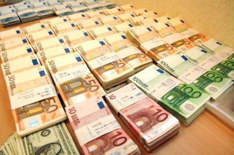 Inbeslaggenomen drugsgeld na een cocaïnevondst op de luchthaven van Zaventem, archieffoto uit 2007.