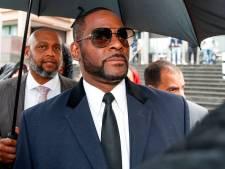 Mannen opgepakt die vermeende slachtoffers R. Kelly intimideerden