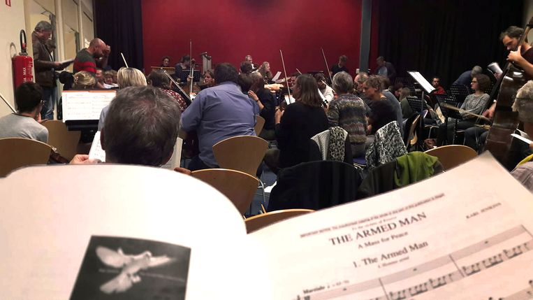 Repetitie van 'The Armed Man – A Mass for Peace'
