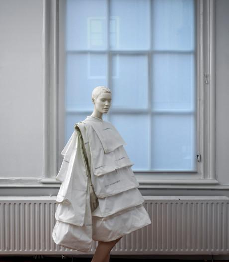 Deze jurk beschermt vrouwen tegen ongewenste intimiteiten