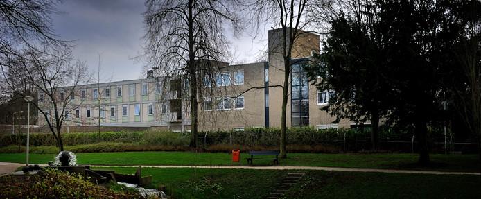 Het klooster oftewel het Moederhuis van de zusters van Charitas in Roosendaal. Het complex is 3,8 hectare groot en omvat behalve het klooster ook de ruimte van de vrouwenopvang Susan Rosse.