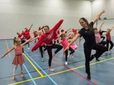 Eindhovense dansschool Dance Giving sluit seizoen in stijl af met show en clip