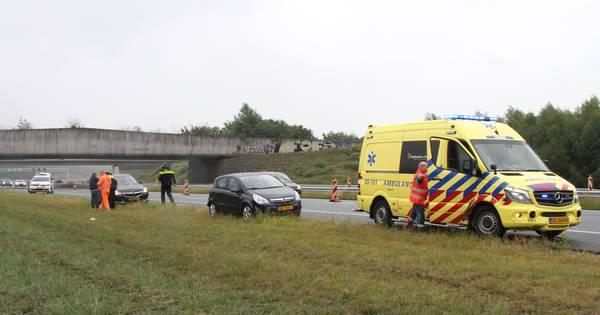 Opnieuw raak op A1: gewonde bij kop-staartbotsing bij Rijssen.
