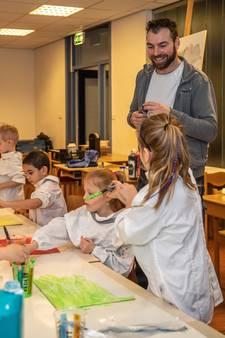 Barre Verkerke brengt verf tot leven op basisschool Schuttevaer in Hansweert