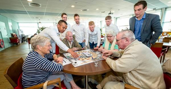 Verbazingwekkend Guus Geheugenspel van studenten slaat aan bij senioren | Rotterdam FX-68