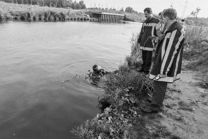 Na de verdwijning van Manon Seijkens werd Helmond-Noord uitgekamd. Duikers doorzochten onder andere de Zuid-Willemsvaart.