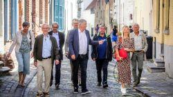 """Brugse gidsen richten zich op Vlamingen deze zomer: """"Zomeraanbod van dertig wandelingen voor 'mensen van ollier'"""""""