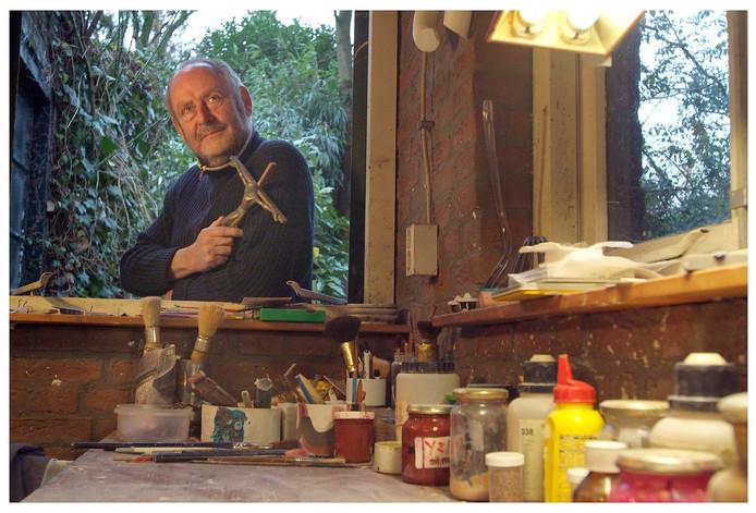 Johan van Loon in zijn atelier in Breda (2005).