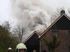 Veel schade bij uitslaande woningbrand in Overdinkel