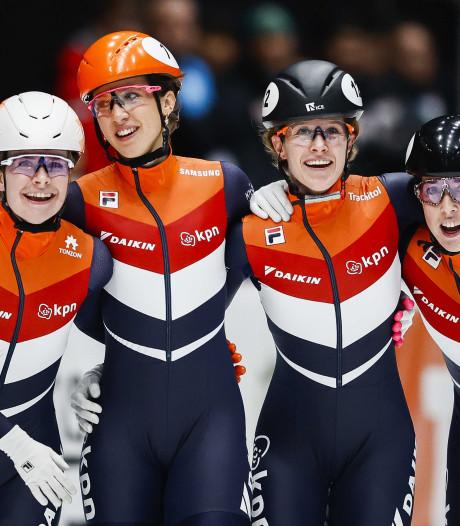 Vrouwen overklassen concurrentie op relay, mannen pakken zilver