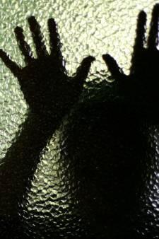Bejaarde edelsteentherapeut verdacht van verkrachting en aanranding