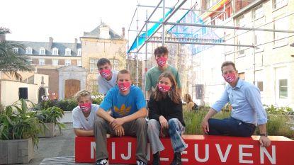 Leuvense jongeren vergroenen Damiaanplein met pop-uptuin