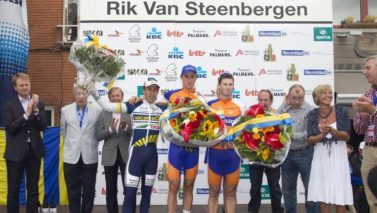 Het podium van de Memorial Van Steenbergen in 2012, met centraal winnaar Theo Bos.