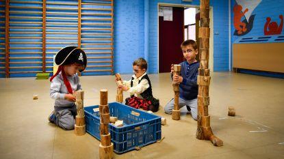 Kleuters Atheneum sporten in piratendorp
