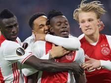Teruglezen: Ajax overtuigend naar laatste acht