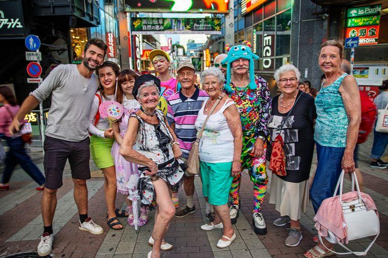 De Wereld Rond Met 80-jarigen ; seizoen 1 , vanaf donderdag 31 januari 2019 bij VTM. Op de foto : groepsfoto