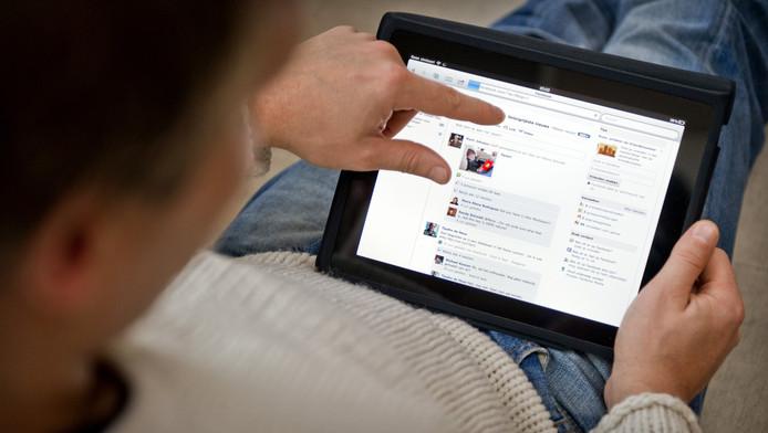 Toch nog even Facebook checken voor het slapen gaan? Kan verslavend zijn.