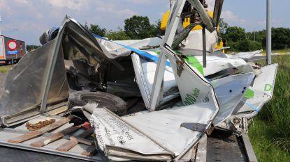 Vrachtwagen richt ravage aan op E34