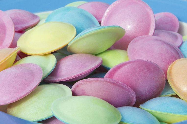 Zure ouwels of ufo's van Astra Sweets.