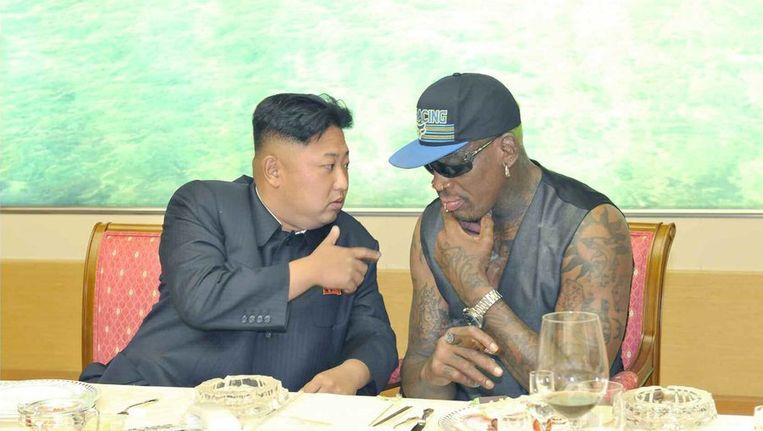 De Noord-Koreaanse leider Kim Jong-un met de Amerikaanse spotheld Dennis Rodman. Beeld epa
