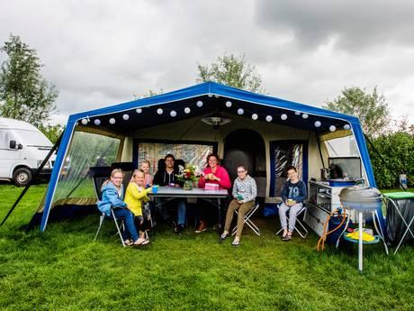 Nat of droog: de barbecue wordt gebruikt op de camping