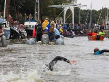 Waterpoloërs uit Almen zwommen tóch mee met Maarten van der Weijden