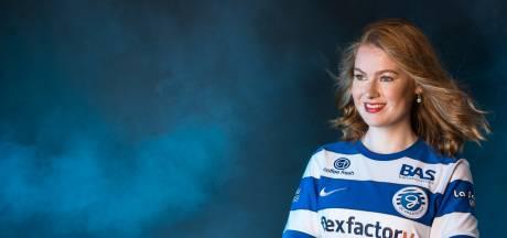 Keijenborgse maakt lied omdat ze De Graafschap mist: 'Blauw-wit hart onder de riem van alle Superboeren'