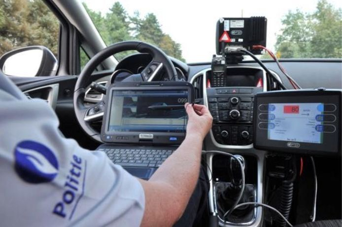 De politie hield zaterdagavond snelheidscontroles.