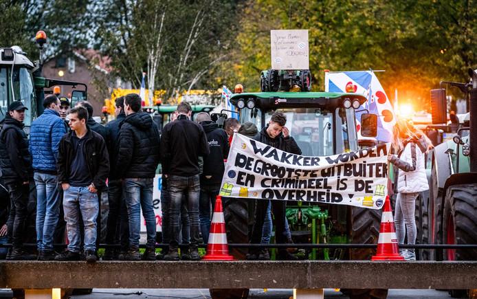 Boeren bezetten eerder het bordes van het provinciehuis tijdens een demonstratie tegen de strenge stikstofregels.
