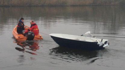 Vissersbootje kapseist op Schulensmeer: visser kritiek