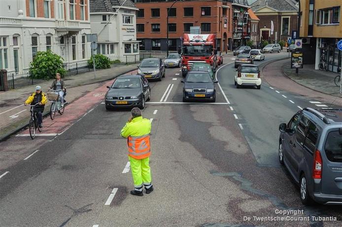 Verkeersregelaars op de kruising Deldenerstraat-Marskant.