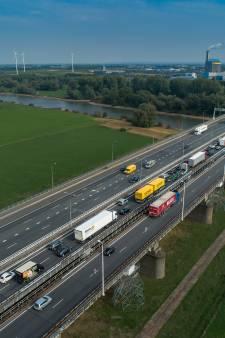 Rijkswaterstaat renoveert tikkende IJsselbrug in 2021