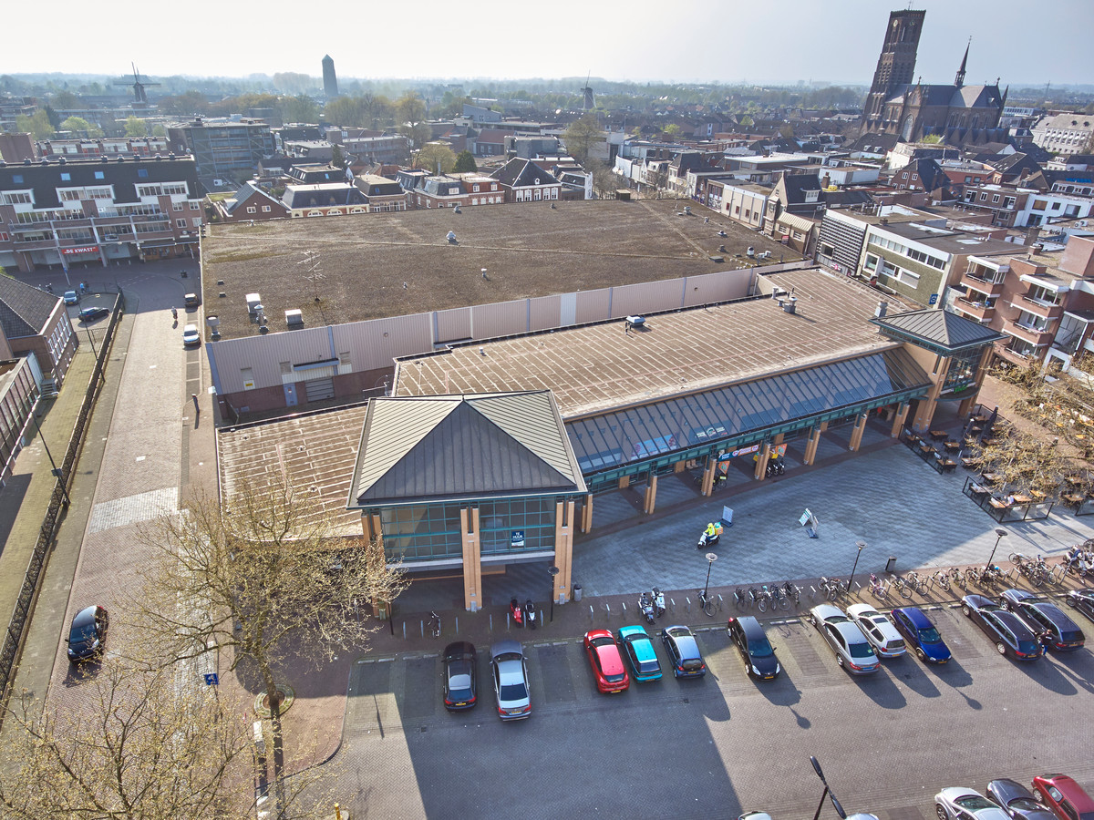 Centrum Oss met in het midden het oude V&D pand