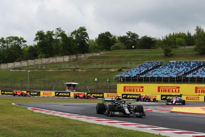 La Mercedes de Lewis Hamilton qui prend un tour à la Ferrari de Sebastian Vettel: c'est l'une des images du week-end et elle n'est pas simple à digérer pour la Scuderia.