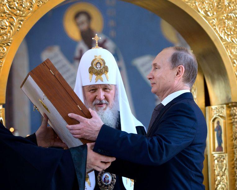 Kirill heeft een goede band met de Russische president Poetin.